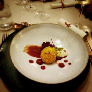 Bulz cu brânză de capră & Vin alb Casa Timiș 2017