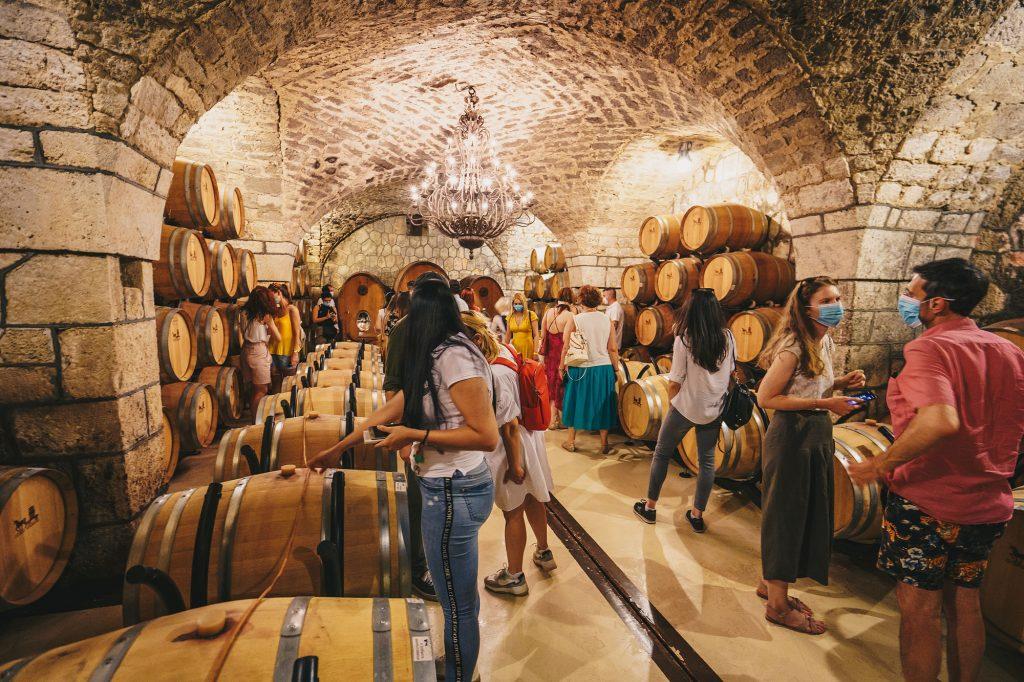 Sâmbătă Sticlelor (și Porților) Deschise în Dealu Mare